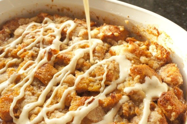 Cinnamon roll bread pudding glazed