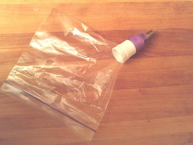 Makeshift pastry bag