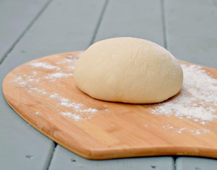 Easy homemade pizza dogh recipe