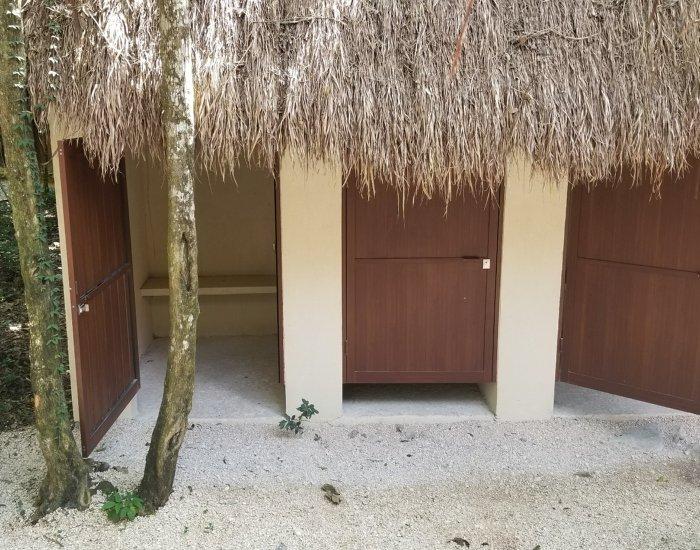 Rio Secreto changing cabins